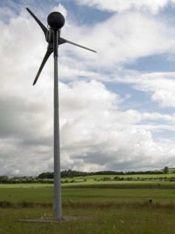 Council backs minister on wind farms
